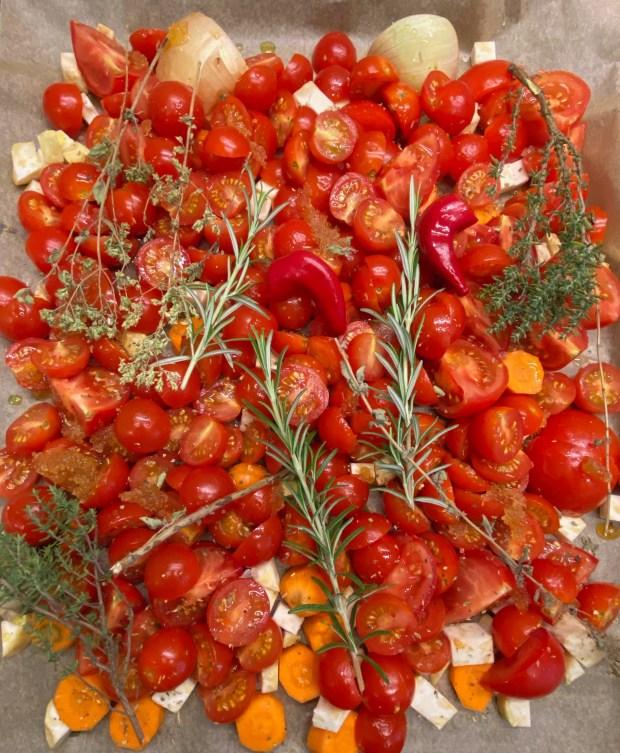 Tomaten, Sellerie,  Kräuter   und mehr auf einen Backblech