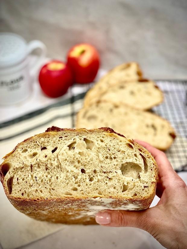 Apfelwein-Brot im Anschnitt