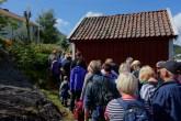 Folkevandring langs stien på Svinør