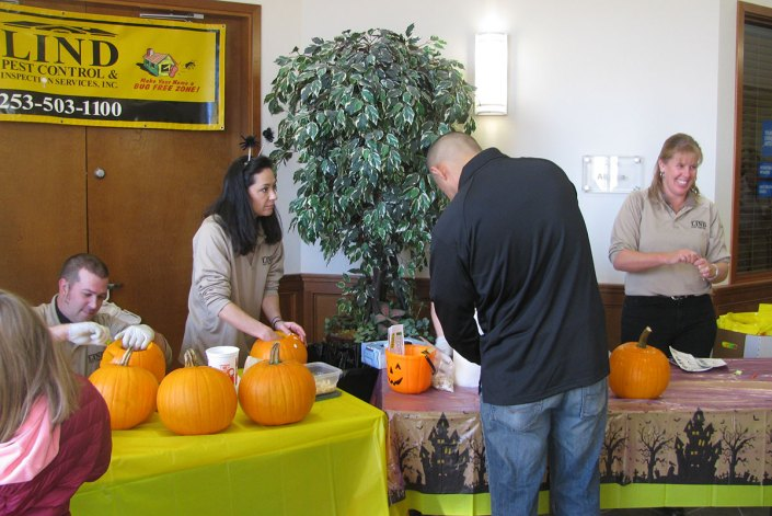 Lind pumpkin carving booth