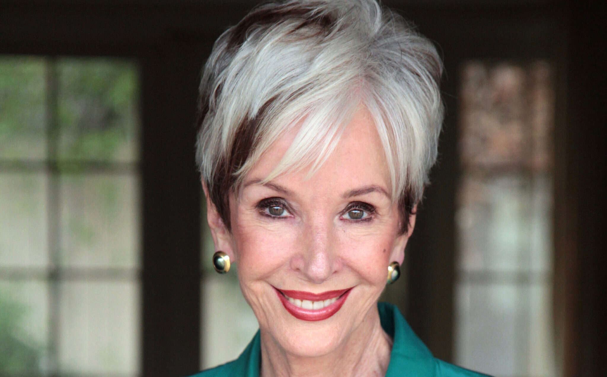 Diana von Welanetz Wentworth: Philanthropy and Giving Back to Society