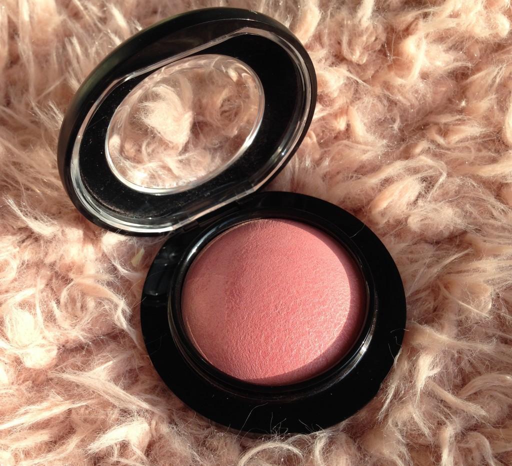 Bedwelming MAC Dainty Mineralize Blush - Lindsey Beljaars &LN68