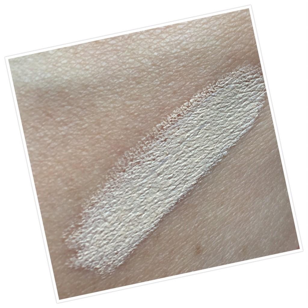Delilah Farewell Cream Concealer in Linen