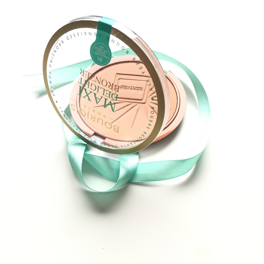 Bourjois Maxi Delight Bronzer in 01 Light