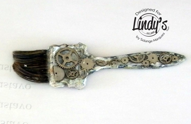 altered paint brush by Solange Marques with Lindy's Gang products-02