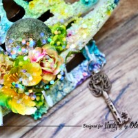 Create a bright and beautiful home storage key organizer