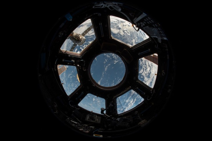 iss-1030777_1280