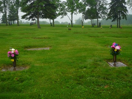 Glenhaven Memorial Gardens - Located 600m from Line 9