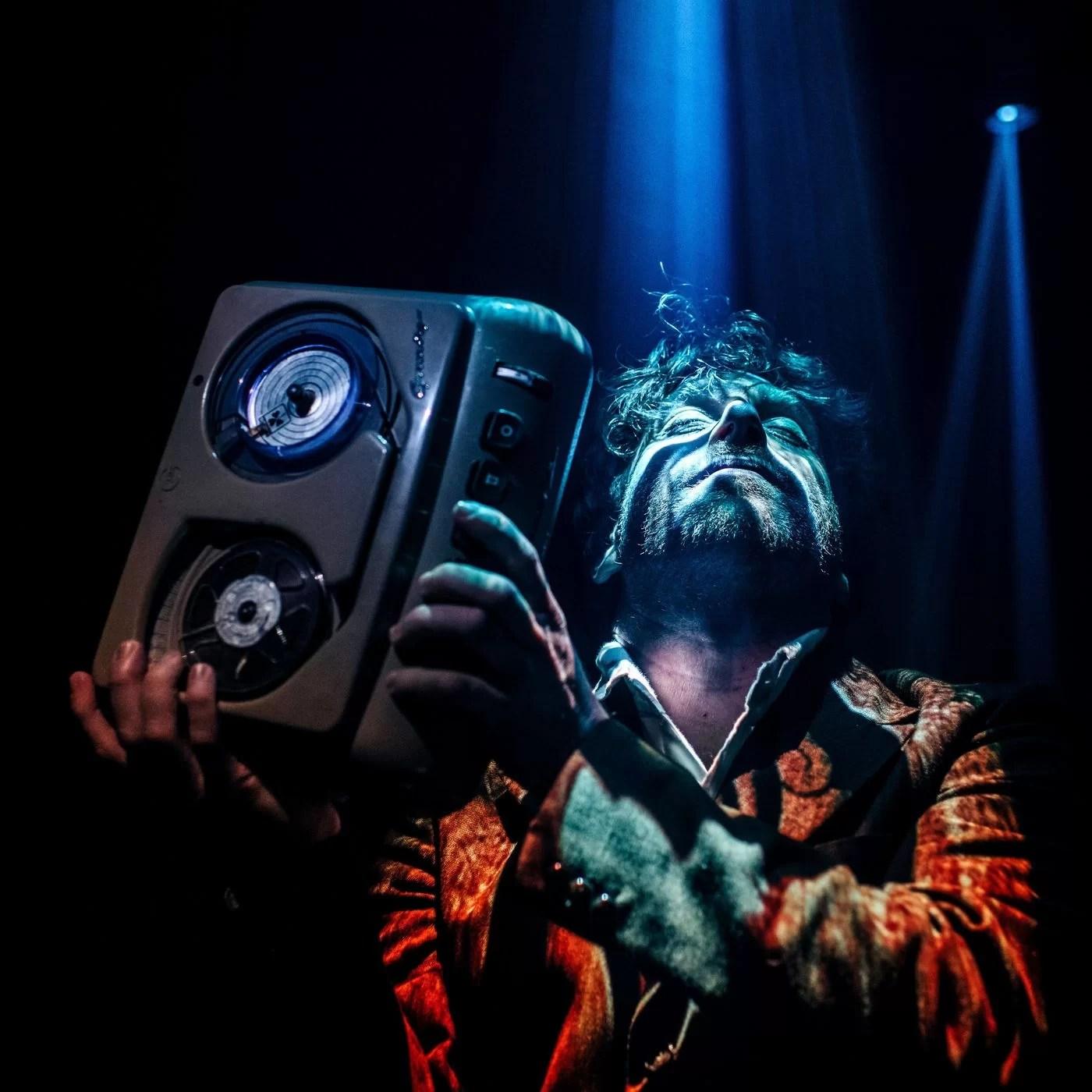 The portal: intervista a Martin Green. Tra danza popolare e rave