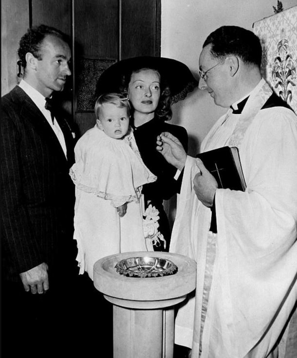 Bette Davis bautizo
