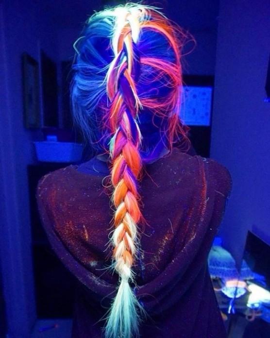 La-nueva-tendencia-del-cabello-que-brilla-en-la-oscuridad-10