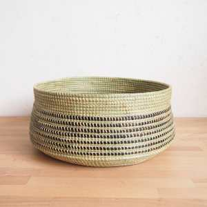 Amsha - Wave Floor Basket- Black