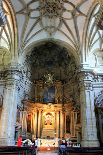 Inside Iglesia de Santa Maria