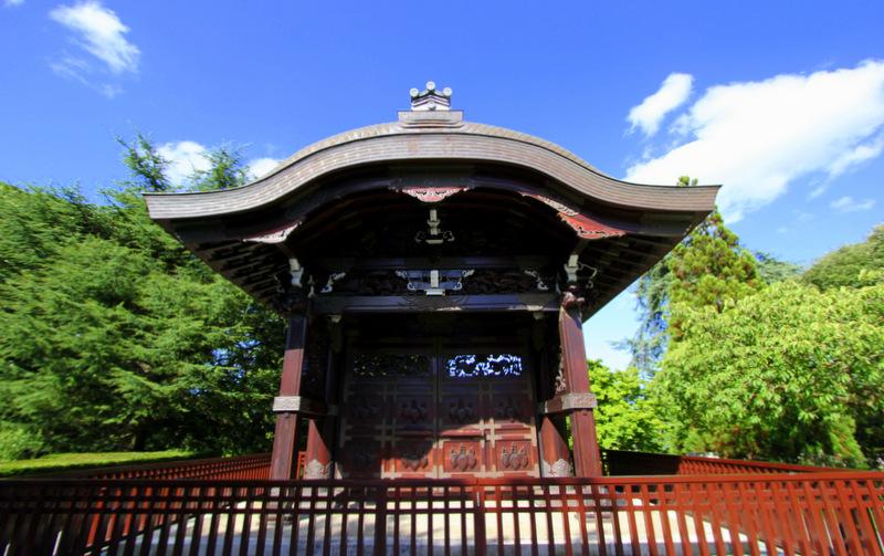 Japanese gateway at Kew Gardens