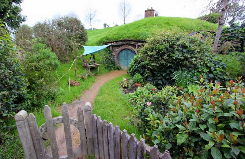 Hobbit hole at Hobbiton