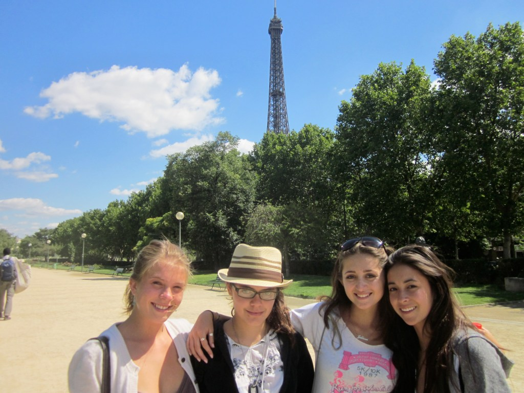 Twintig 4 girls eiffel