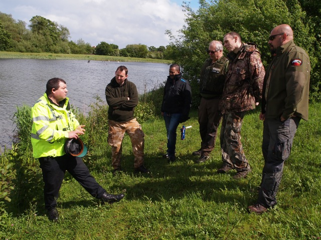 PC Ian Whitlock of Thames Valley Police on patrol with and discussing fisheries offences with VBs from West Thames Area – the VBS now includes volunteers of Polish and Lithuanian origin, which can only be a good thing.