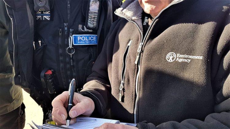 Police and EA FEO Haysden Park 12 Feb 2020 W750px