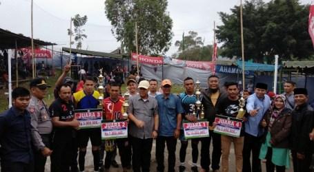 Tim Pora Pora Juara Turnamen Voli Kampung Lelabu