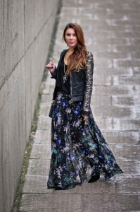 simona-mar-street-style-blogger-handmade-jewellery-agate-slice-necklace-topshop-floral-split-maxi-skirt-selected-femme-joda-sequin-leather-jacket-zara-top-ombre-messy-hair