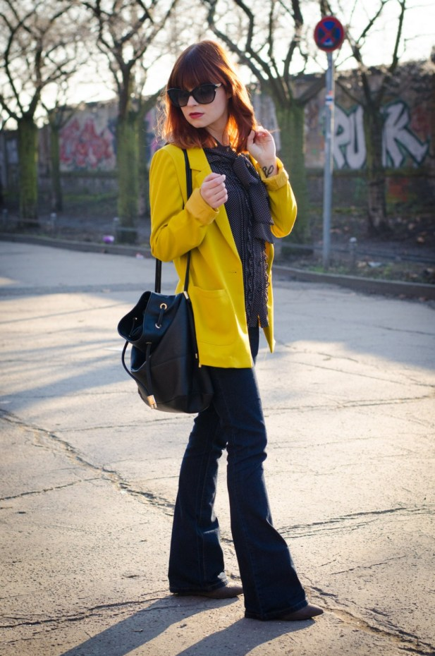 New-Look-bootcut-jeans-mustard-yellow-blazer-70s-look-5-1024x1546