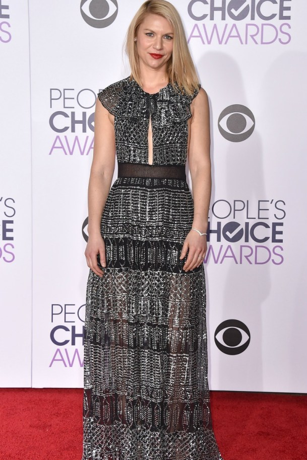 alfombra_roja_celebrities_famosos_peoples_choice_awards_2016_115097359_800x
