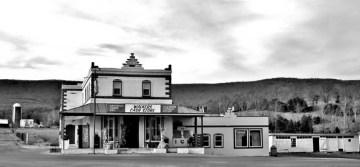 Walkers Cash Store, Woodstock