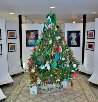 homemade-christmas-at-berryville-youth-art-show-1