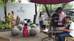 Suasana pengambilan gambar video pendek promosi pariwisata hasil kerjasama Dinporapar Pati dengan talenta lokal Pati. AZIZ AFIFI/LINGKAR.CO