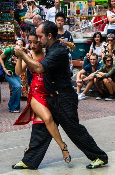 Tango dancers on the streets of BA