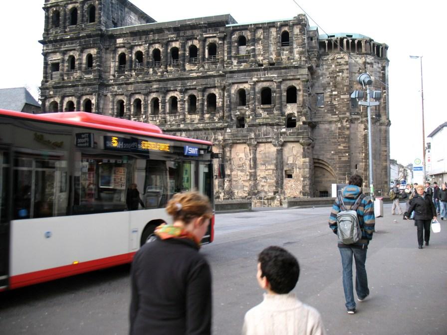 Mit dem Bus zur Porta Nigra