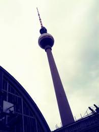 Auch das bietet die S5: Berlin-Alexanderplatz mit Funkturm.