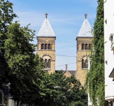Die Kirchturmspitzen von St. Michael am Brüsseller Platz.