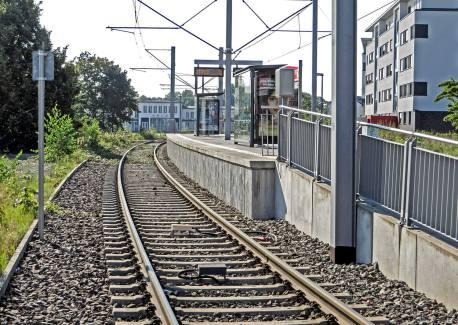 Blick von der Ikea-Haltestelle Richtung Flughafen Butzweilerhof.