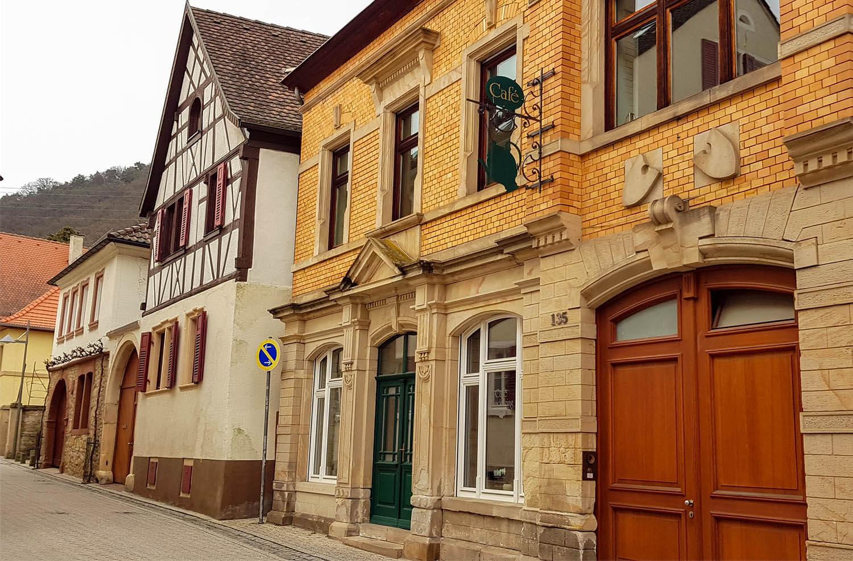 Häuserzeile am Mandelring