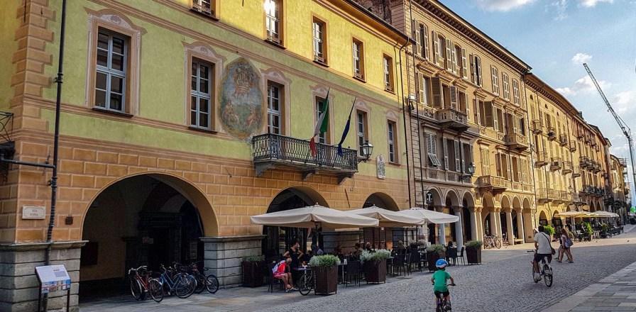Via Roma in der Altstadt von Cuneo.