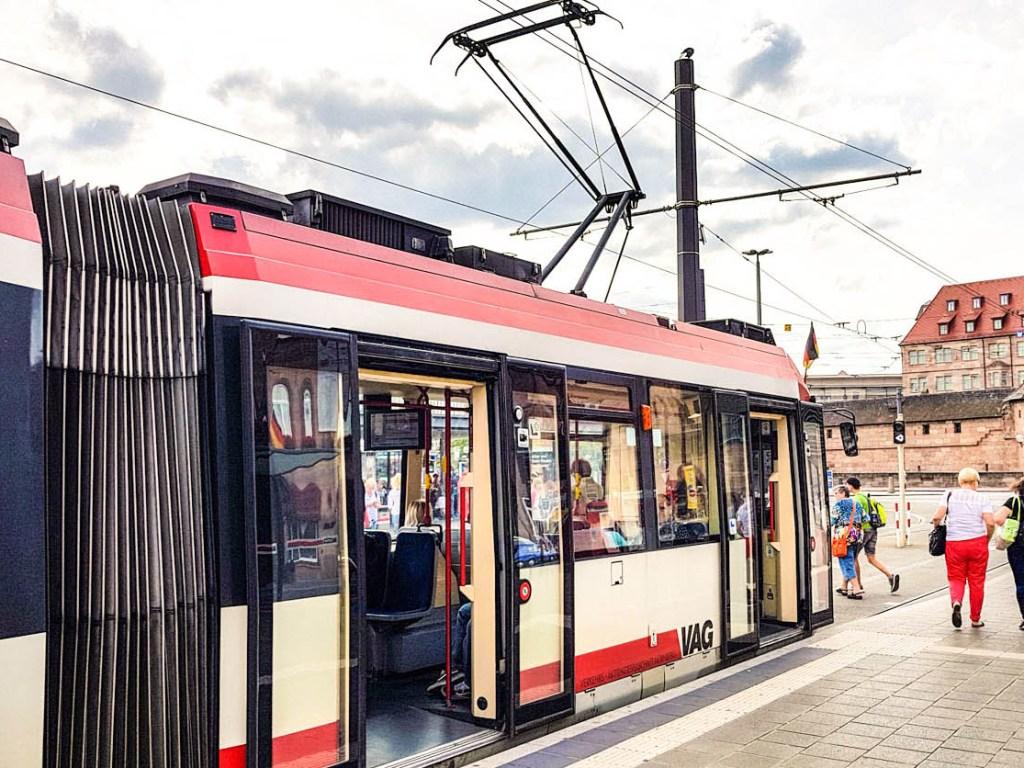 Linie 5 am Hauptbahnhof Nürnberg