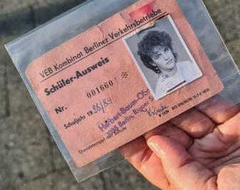 Schülerausweis für den Nahverkehr aus dem Jahr 1988.