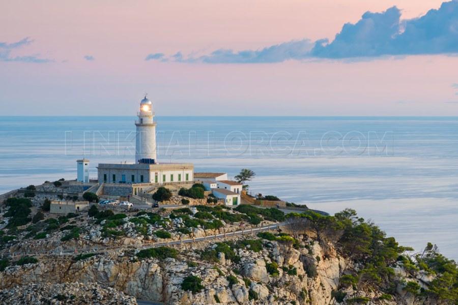 faro-cabo-formentor-mallorca-lighthouse