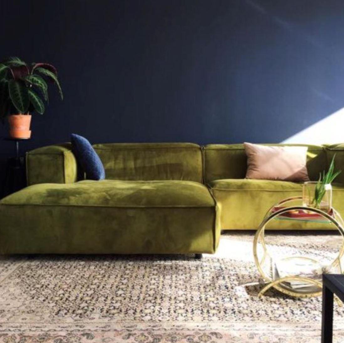 moss green velvet chesterfield sofa sofala horse camp Зелёный диван правила сочетания в интерьере Фото