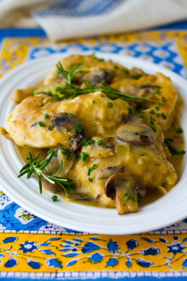 Skillet Chicken with Cheddar Mushroom Sauce With Cabot