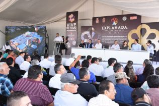 COLOCAN PRIMERA PIEDRA DEL CENTRO COMERCIAL EXPLANADA MALLTERTAINMENT (4)