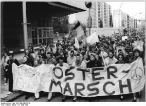 Berlin, Ostermarsch, Heinrich-Heine-Straße