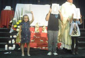 201312-- - Family (Children's Mass) - 2013 - church%20045