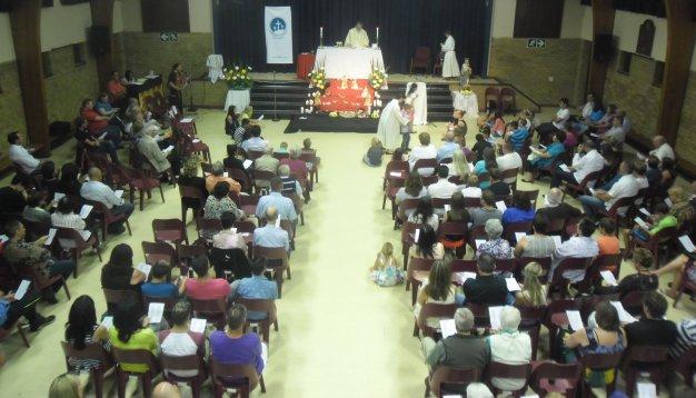 201312-- - Family (Children's Mass) - 2013 - church%20065