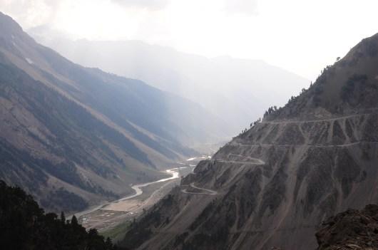號稱全世界最險峻的公路-Zoji La