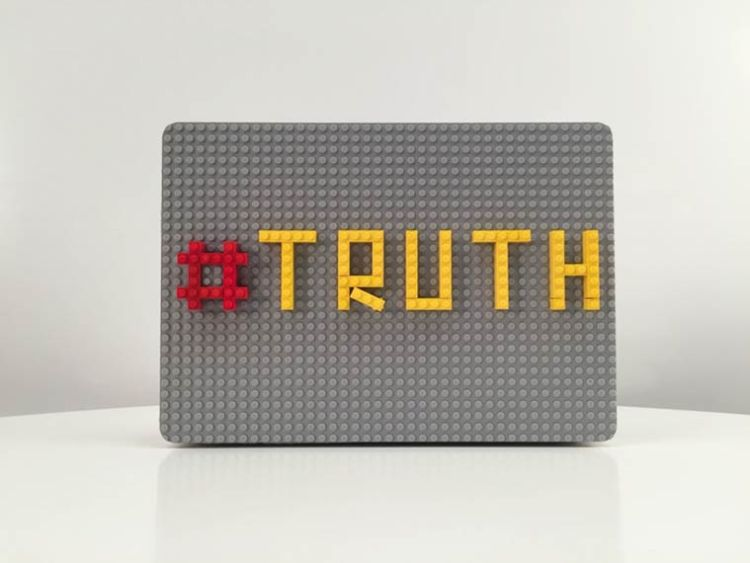 Brik-Case-LEGO-MacBook-4