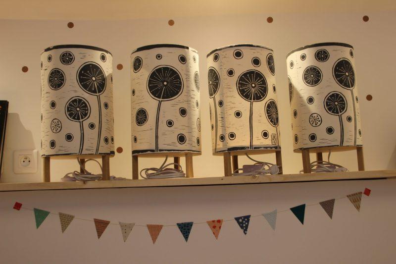 LinoLino | Linogravure et création d'objets à partir d'impressions artisanales : carnets, lampes, sacs | Lampes Fleurs de Citron
