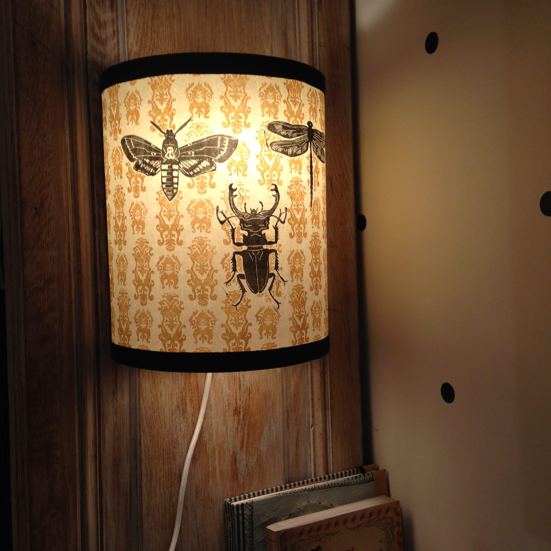 LinoLino | Linogravure et créations à partir d'impressions artisanales | Chambéry, France |Lampe applique murale linogravure insectes