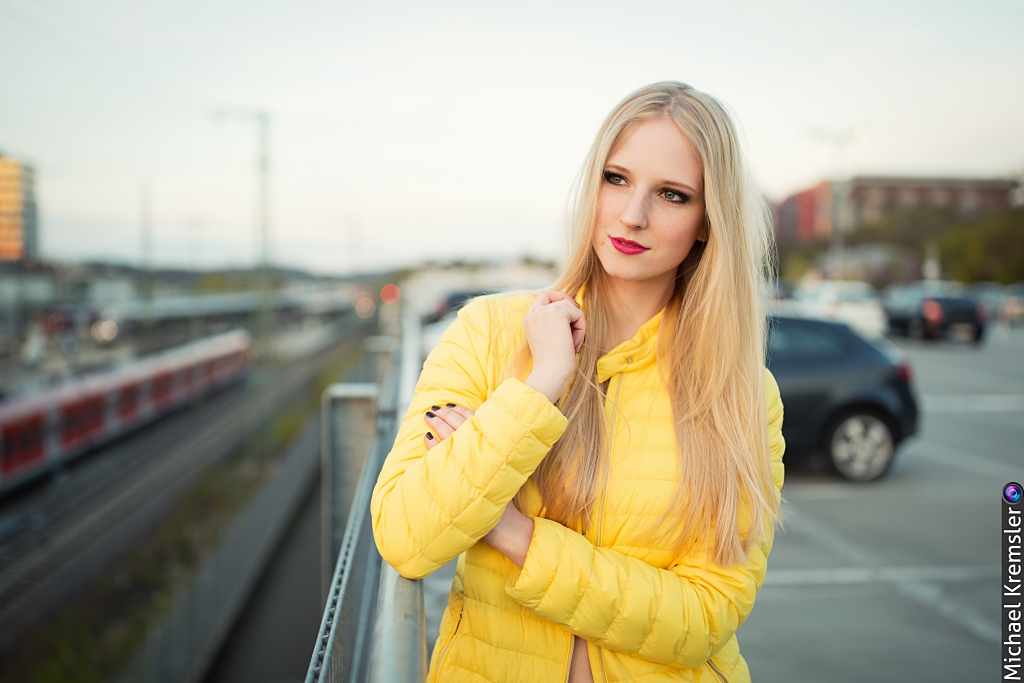 yellow-gelbe-jacke-shooting-ootd-outfit-blogger-blog